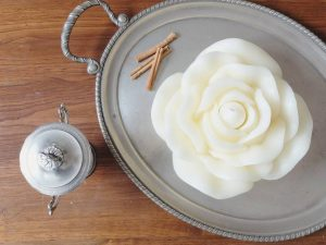 flower shaped candle